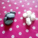 Choose colored rocks, buttond or whatever...